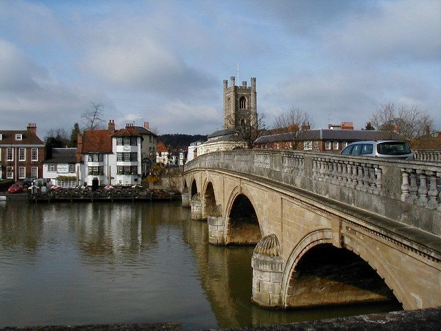 Henley Bridge (Henley-on-Thames in Oxfordshire) is a five arched bridge across the river which was built in 1786.
