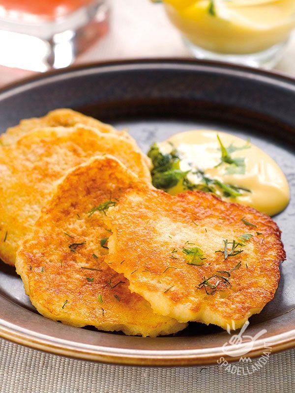 I Pancakes di patate, una versione salata delle squisite frittelle americane, sono davvero appetitose. Un'idea sfiziosa per variare il solito menu.