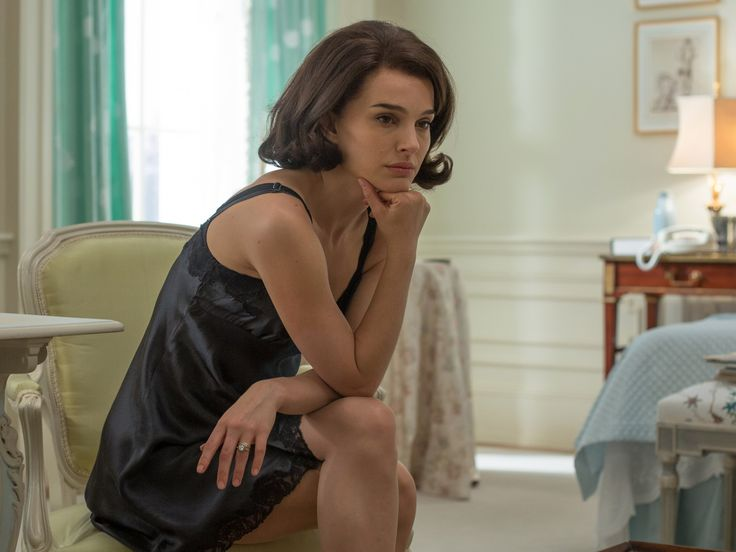 How Natalie Portman compares to the real-life Jackie Kennedy's most iconic looks #Correctrade #Trading #News