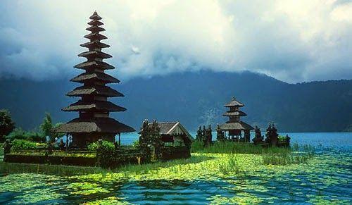 Wisata Menarik Bedugul | Wisata Menarik Bedugul – Bedugul adalah nama dari kedua kota kecil dan daerah pegunungan yang penuh dengan resot tepi danau, yang merupakan salah satu tempat Wisata menarik Bali untuk beristirahat di akhir pekan akhir pekan.