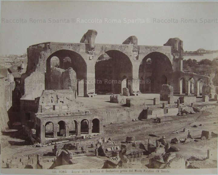 Basilica di Massenzio,Foro Romano. Portico di un'interessantissima casa medievale. Fine '800