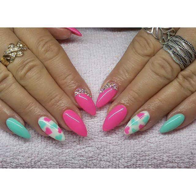 Serduszkowo  #semilac #diamondcosmetics #indigo #mint #madamglam #nails #hybryda…