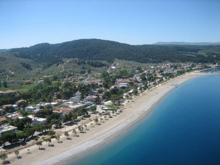 Pefki, (meaning «pine tree» in Greek), is situated on the north side of the island, 118km. away from Chalkida. It is one of the most popular holiday resorts in Evia with a great number of hotels, commercial shops, tavernas and cafeterias to choose from. For the lovers of nature, there are also a few fully organized camping sites.