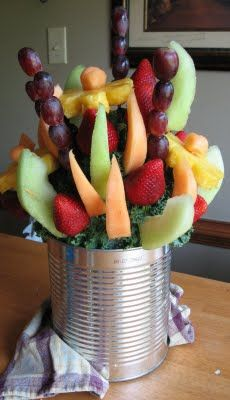 DIY Edible Arrangement... totally doing this for mothers day