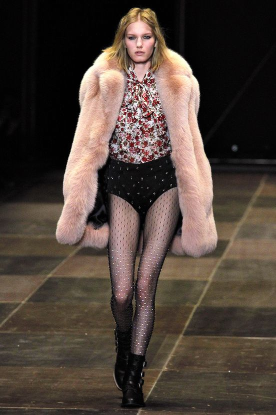 http://www.derniercri-vintage.com/dcshop/fr/  Boutique vintage en ligne