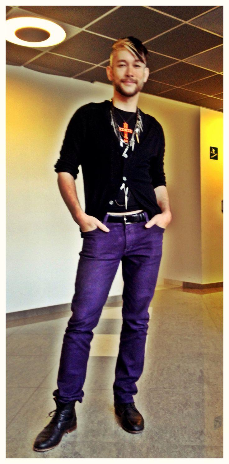 Marc Jacobs cashmere, tcyia necklace, Dior belt, Levi's