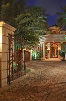 Admirals Cove is full of magnificent South Florida real estate! http://www.waterfront-properties.com/jupiteradmiralscove.php
