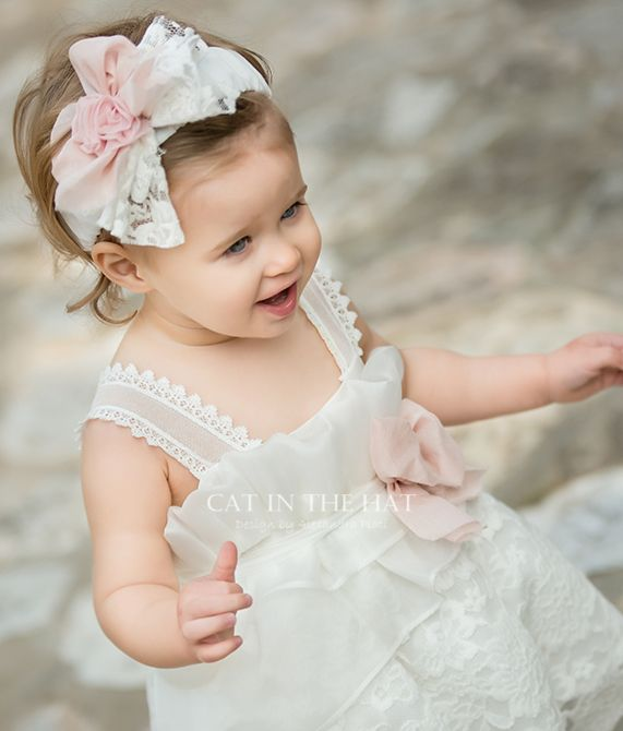 des.EMILLY Βαπτιστικό φόρεμα από φίνο ύφασμα ramie & λινό συνδυασμένο με δαντελένιο φουρό και λινή ζώνη.  #baptismclothes #βαπτιστικά  #christeningclothes #vaptisi #βάπτιση #alexandraplati #luxurybabydress #kidscollection #vaptistika #βαπτισηκοριτσιού #designerscat http://www.catinthehat.gr/gia-koritsi/summer-collection-koritsia/emilly-el.html