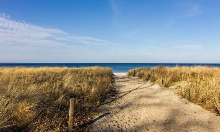 Strand+von+Kühlungsborn+-+Fotoleinwand+von+Deutschland+abgelichtet+auf+DaWanda.com