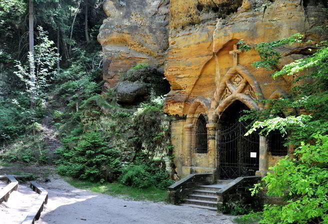 Kudy z nudy - Modlivý důl u Svojkova - tajemné poutní místo
