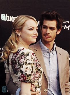 Emma and Andrew :') (http://iheart-stonefield.tumblr.com/post/63256996835/and-then-she-came-in-and-it-was-like-diving)