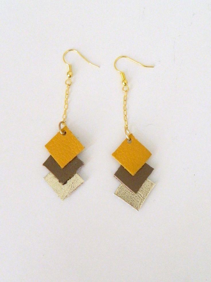 **Nouveauté** boucles d'oreilles losange en cuir, jaune moutarde, taupe et or blanc : Boucles d'oreille par azantymariage