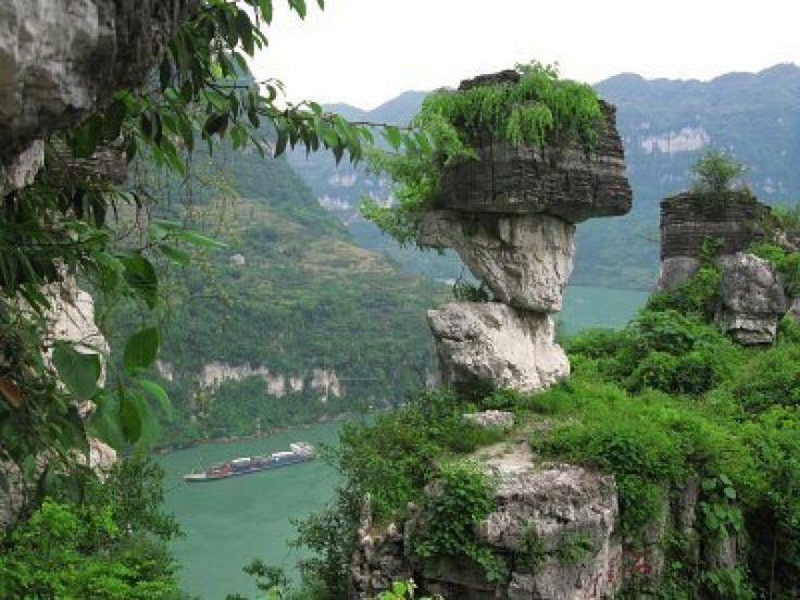 China Yangtze River Three Gorges Xiling Gorge scenery