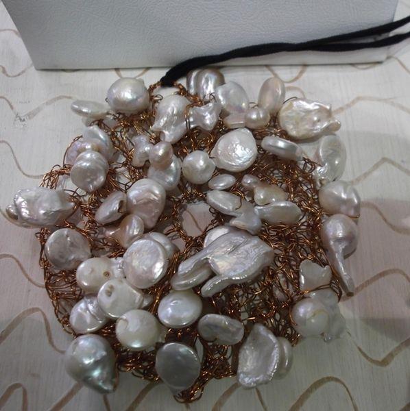 ciondolo in rame e perle barocche di sogni d'arte by adalgisa su DaWanda.com