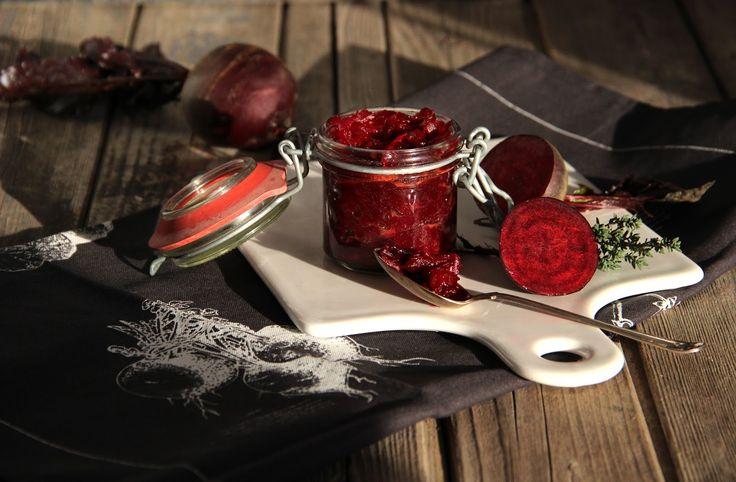 V kuchyni vždy otevřeno ...: Karamelizovaná řepa s cibulí