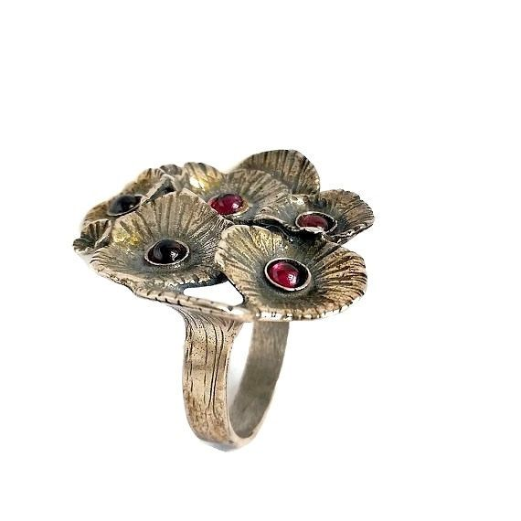 Hey, I found this really awesome Etsy listing at https://www.etsy.com/il-en/listing/490020435/garnet-ring-unique-silver-ring-botanical