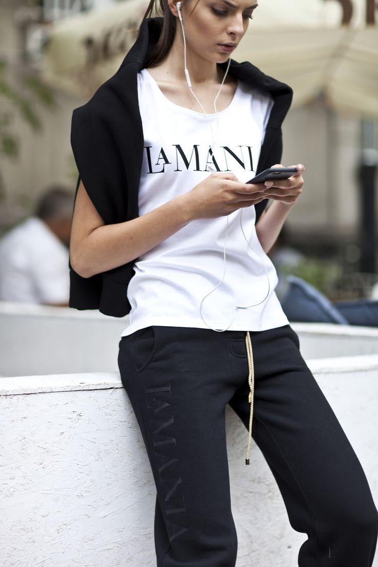 Get the perfect off-duty look with La Mania's new arrivals: timeless white ELINOR shirt and casual JEMMA pants. ‪#‎LaMania #StreetStyle #Fashion #Casual #Limited‬ (photo: Asia Typek)