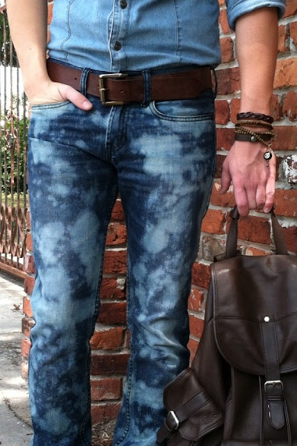 How to bleach jean easy  Wobisobi: Bleached Jeans DIY  http://wobisobi.blogspot.com/2012/05/bleached-jeans-d.html#