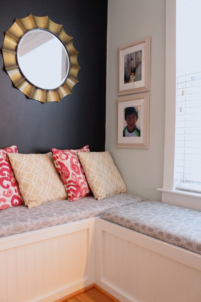 No-sew bench cushions that actually stay put -- and they come together so quickly, too! Great weekend project