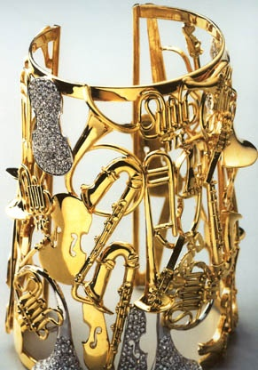 This musical diamond and gold cuff bracelet was created by Arman, the famous French sculptor in 1989.