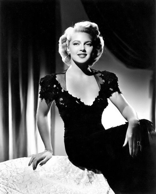 Lana Turner, 1942. What a beauty and great actress she was!