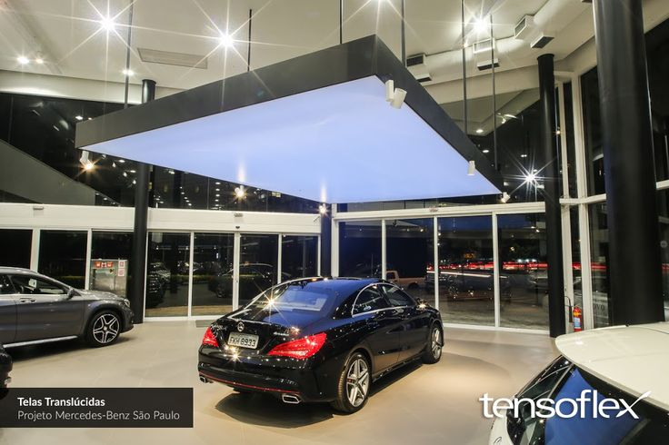 Nossas telas translúcidas viabilizaram este lindo projeto desenvolvido pela Wall Lamps para a concessionária Mercedes-Benz, em São Paulo.