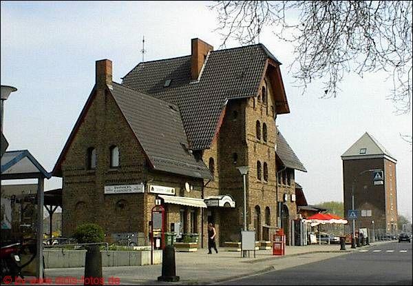 Bahnhof mit umbebauten Getreidespeicher in Rheinbach