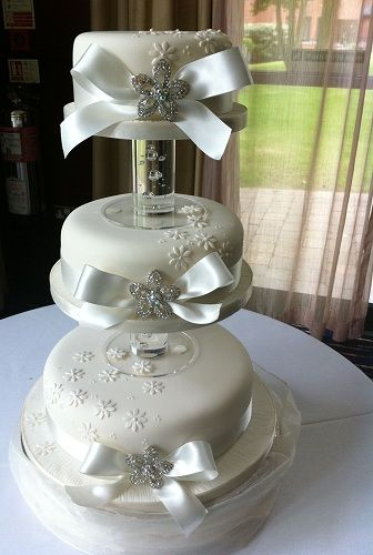 171 best Wedding cakes - seperate tiers images on Pinterest | Cake ...