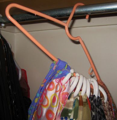 camp and cottage living: How to Hang Scarves
