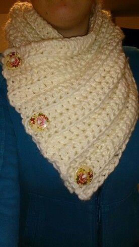 Crochet Chunky 3 button cowl with floral buttons