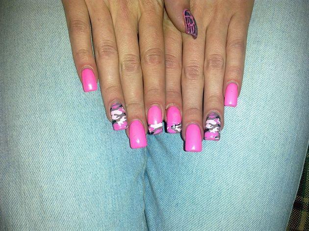 Pink Camo Acrylic Nail Designs