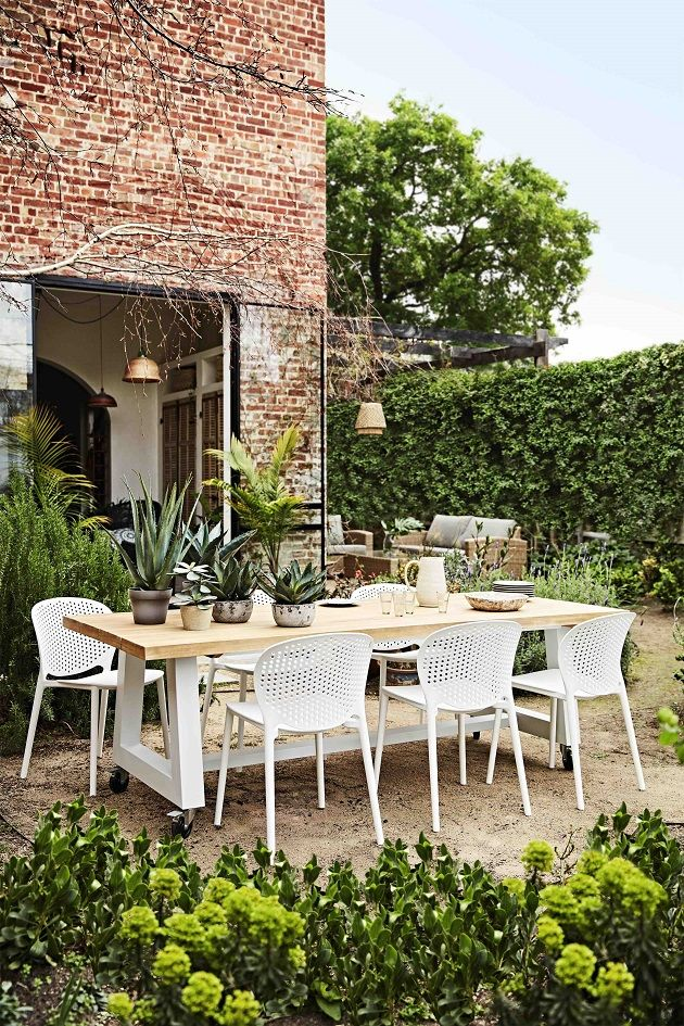 We're loving this season's Kanto dining table range. Its warm Acacia table top and crisp white powder coated steel frame is the perfect blend for outdoor dining- available in small, medium and large. Shop all the new arrivals right here!