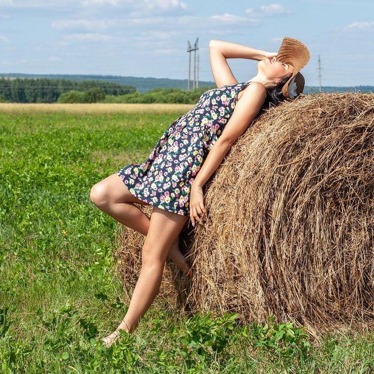 полноценного идеи для фото возле стогов сена российском телевидении много