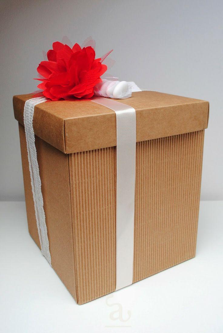 confezione bomboniera box / lace / sateen / handmade flower  grafica&artigianato