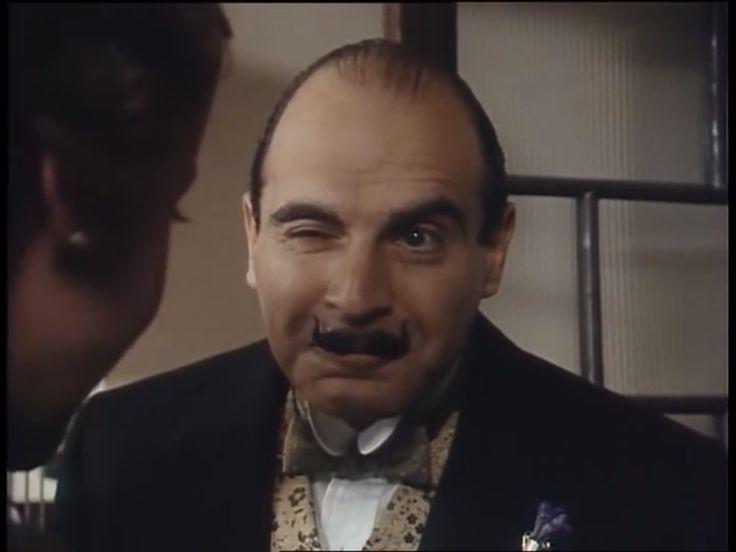 Agatha Christie. Poirot.