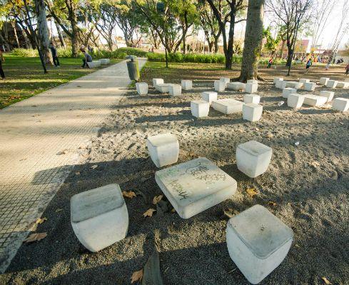 Diseño y remodelación de espacios públicos – Plaza en caseros – Meta Fabrica