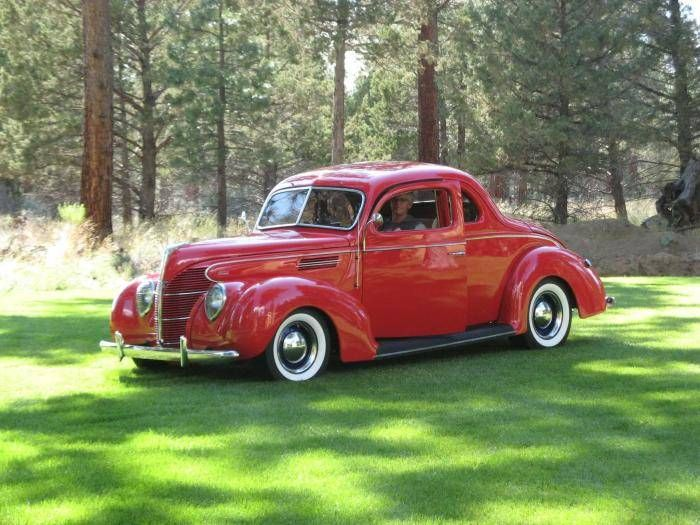 1939 Ford 2 Door Coupe