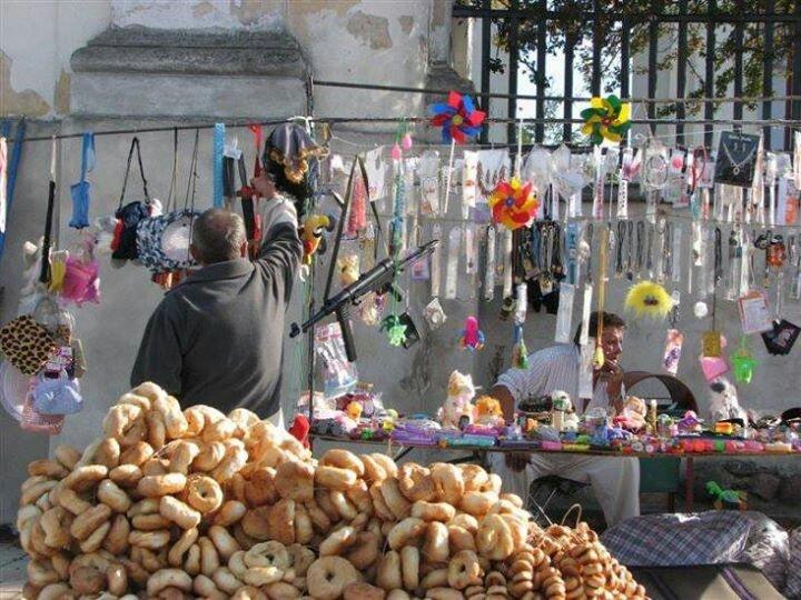 Odpust/marché de dimanche après la messe