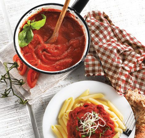 Fresh Tomato Sauce | Vitamix The Vitamix chops and purees fresh tomatoes and herbs into a classic Italian sauce.