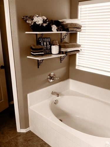 17 best ideas about garden tub decorating on pinterest patio small bathroom decorating and decks. Black Bedroom Furniture Sets. Home Design Ideas