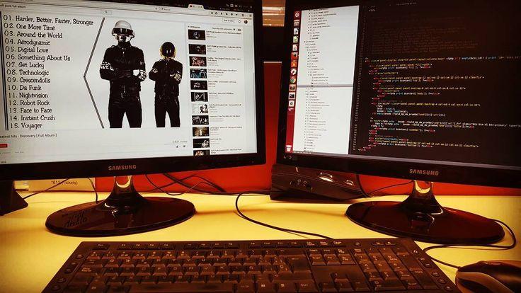 Viernes víspera de finde largo   poniéndole  onda #code #drupal #php #javascript #developer