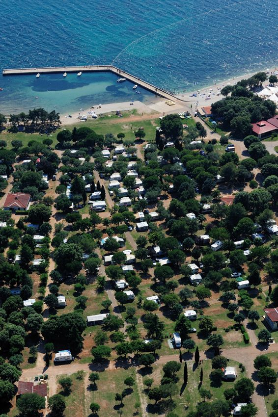 The campground has 670 camping units with electricity connections and accommodates up to 2 000 persons. If you wish to stay in an apartment or room, we recommend Amarin resort located in the vicinity of Amarin campground. Rovinj, Istria, Croatia.
