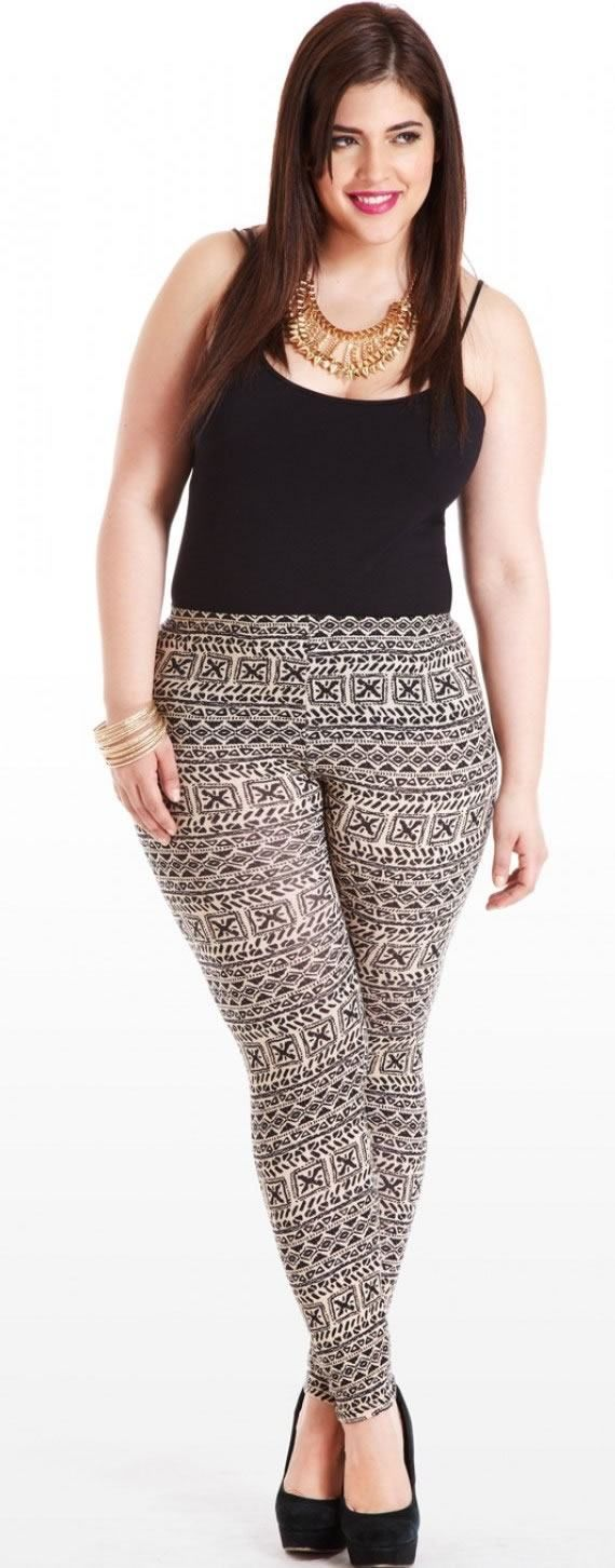 Summer-look-for-plus-size-ladies-with-leggings-402x1024 Legging Outfits for Plus Size-10 Ways to Wear Leggings if Curvy