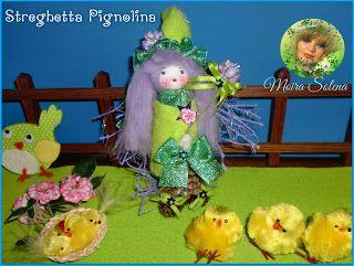 STREGHETTA PIGNOLINA Bambolina realizzata con le pigne, dotata di bacchetta magica...tanti colori...PROFUMATISSIMA.