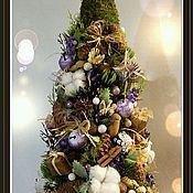 Купить или заказать Рождественский венок в интернет-магазине на Ярмарке Мастеров. Выполнено из природных материалов , с использованием флористической…
