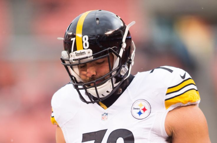 Extending contract of Alejandro Villanueva in 2017 would be a mistake for Steelers