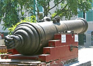 Si Jagur Cannon, a Portuguese artillery, protected their sovereignty in Macau and Melaka. In 1641, this cannon was brought to Batavia by VOC. Now, you can see this artillery planted on the north side of Fatahillah Park, Jakarta.