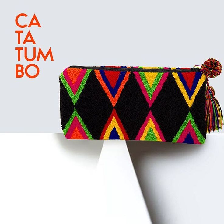 Handmade Wayúu clutch   Bolsos Wayúu tejidos a mano. Boho Chic. Fairtrade. No mass production. Shop online: www.vivayviva.com