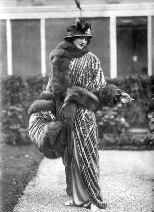 1918 fashion from Holland....this is true fabulousness