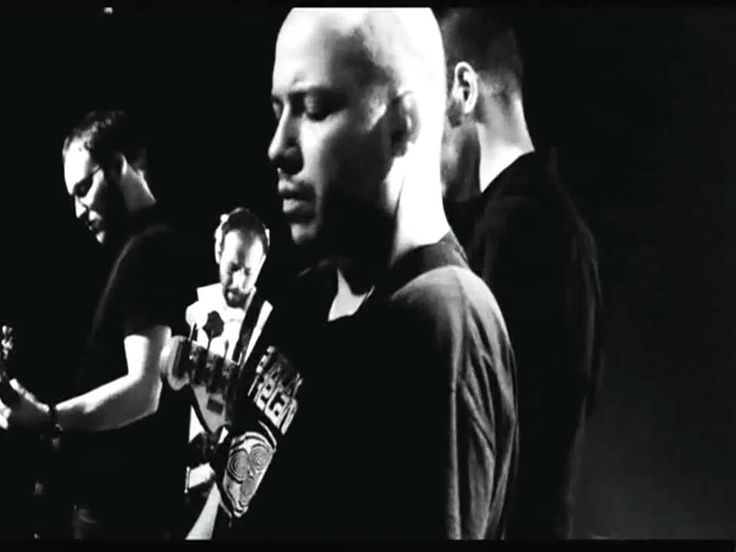 "Mogwai performing Fear Satan. Excerpt taken from ""Burning"". All rights belong to their respective owners. ...grabbed from http://www.youtube.com/user/hallelu..."